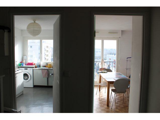 cuisine avec loggia amberieu en bugey dans un ensemble en coproprit de lots un appartement t. Black Bedroom Furniture Sets. Home Design Ideas